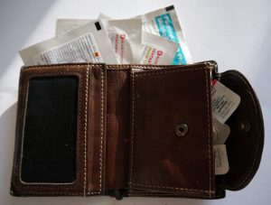 Fentanyl Pflaster und Tabletten im Portemonnaie